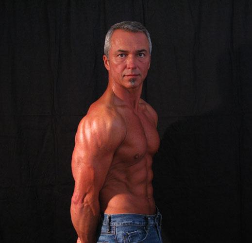 6 0 200 Lbs Bodybuilder – BK3